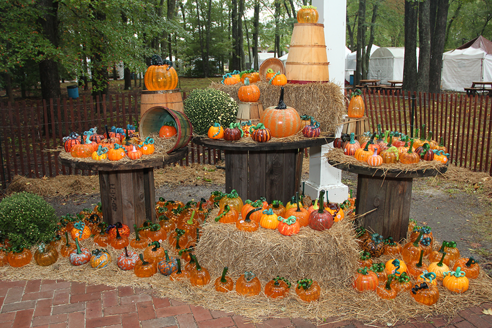 wheaton-arts-pumpkin-glass-patch